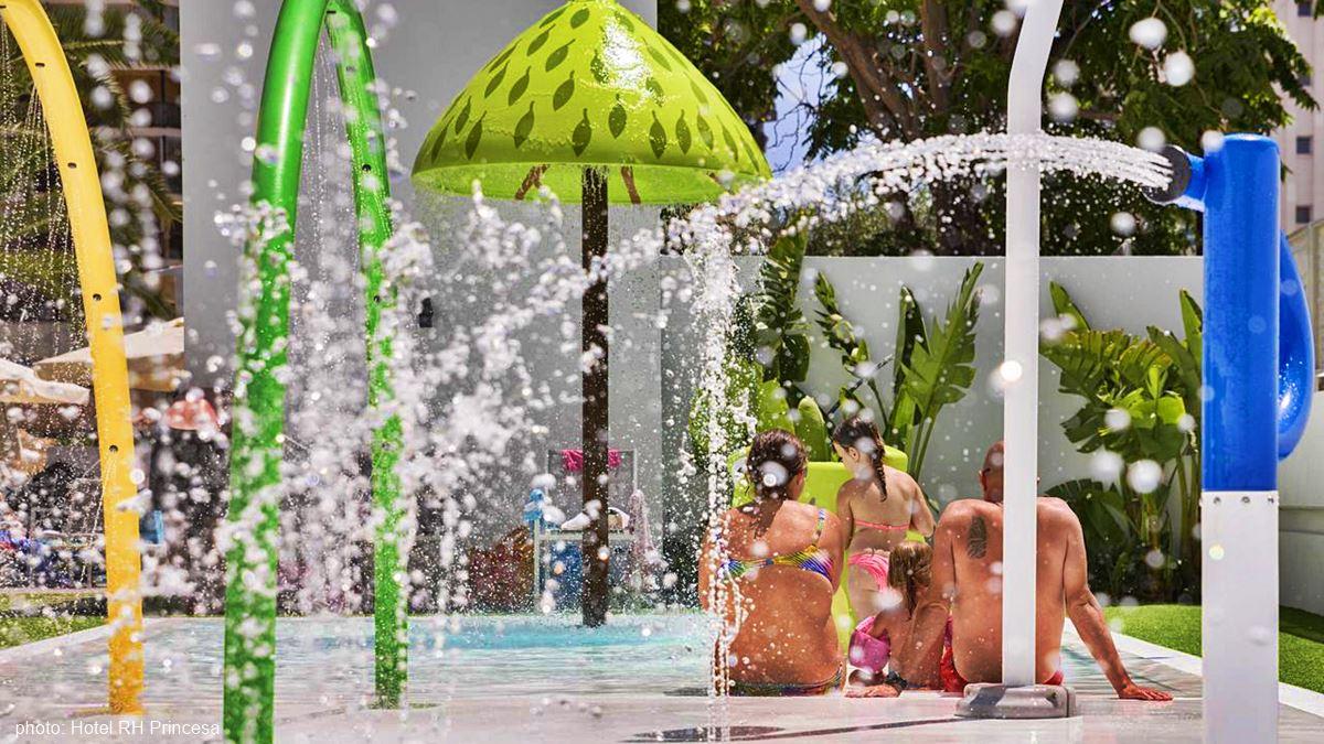 Hotel RH Princesa swimming