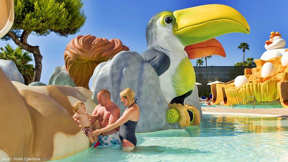 Hotel Condesa swimming