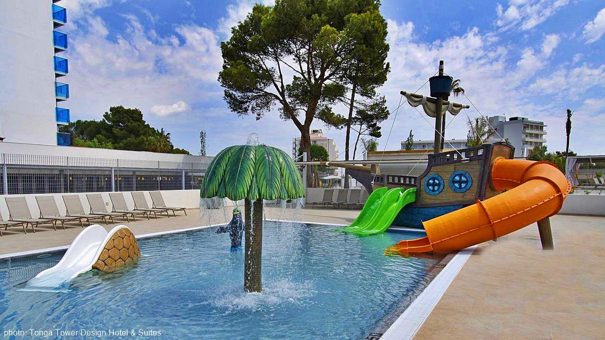 Tonga Tower Design Hotel & Suites swimming